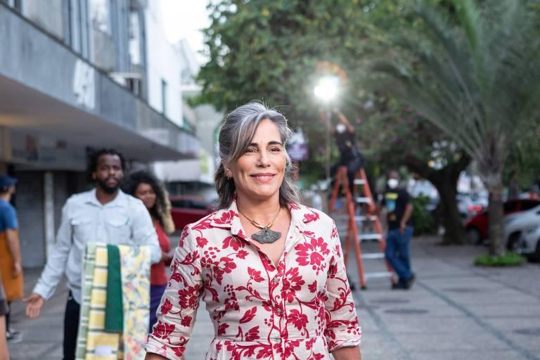 Gloria Pires estreia como roteirista em filme sobre consumismo