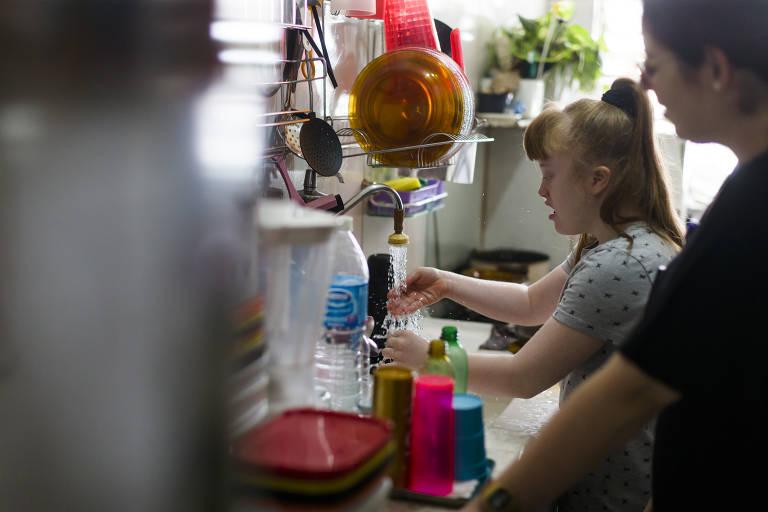 Crianças com deficiência precisam e podem interagir e se comunicar