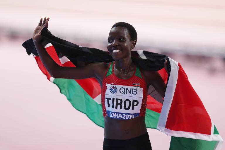 Corredora Agnes Tirop, recordista mundial, é morta a facadas no Quênia