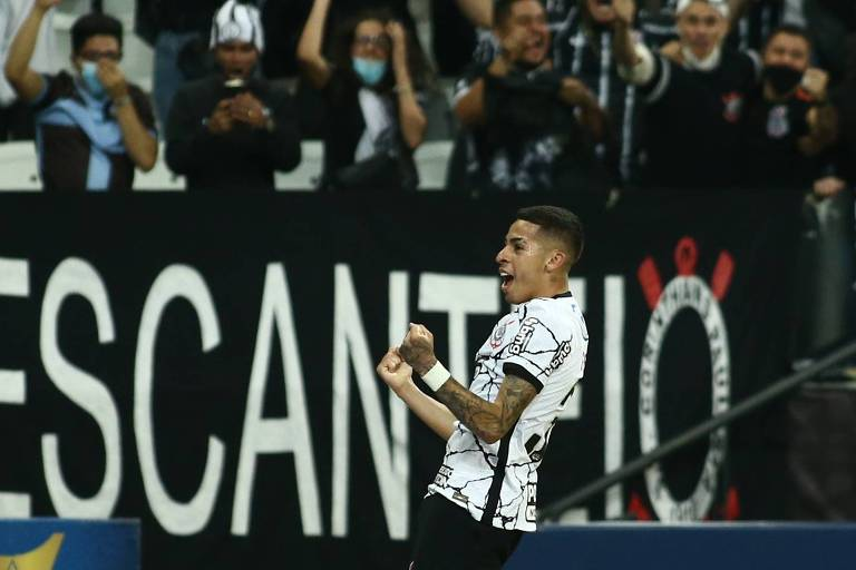 Gabriel Pereira comemora gol em vitória do Corinthians sobre o Fluminense