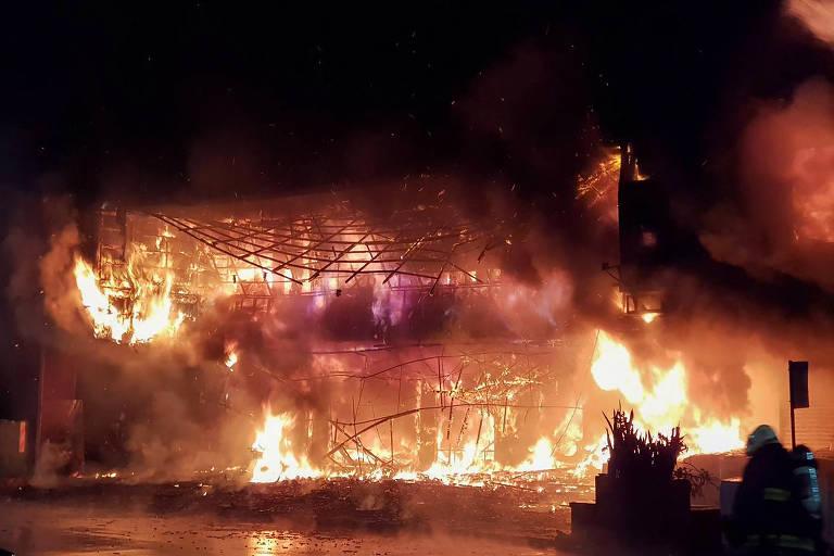Incêndio mata ao menos 46 pessoas e deixa mais de 40 feridos em Taiwan