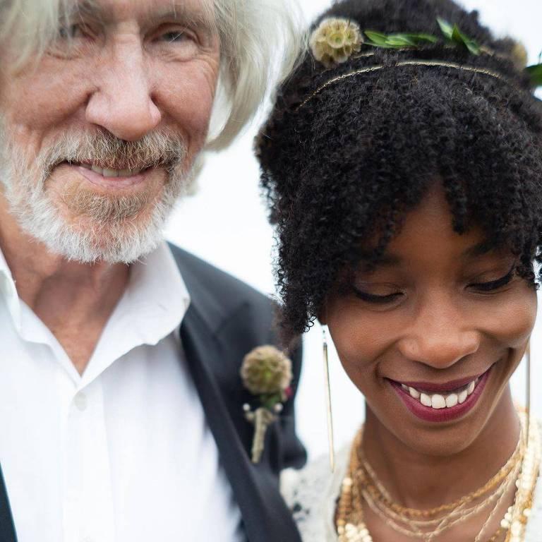 Roger Waters se casa pela quinta vez aos 78 anos