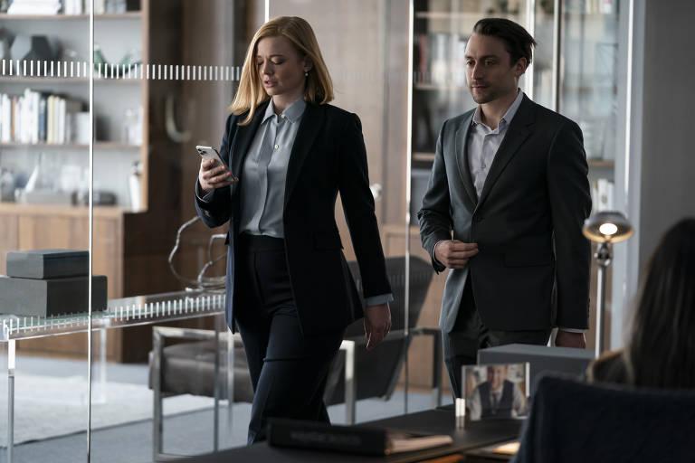 """Sarah Snook e Kieran Culkin em cena da terceira temporada de """"Succession"""", série da HBO"""