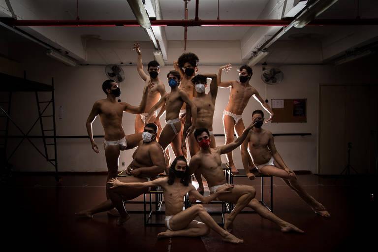 """Ensaio da peça """"Naked Boys Singing!"""""""