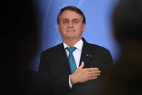 Bolsonaro quer que Auxílio Brasil, o novo Bolsa Família, chegue a R$ 400