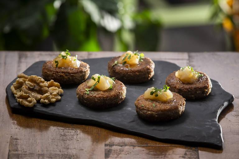 Destaques da cafeteria Kofi & Co são as croquetas de nozes e os grãos selecionados de Brasil, Colômbia e Etiópia