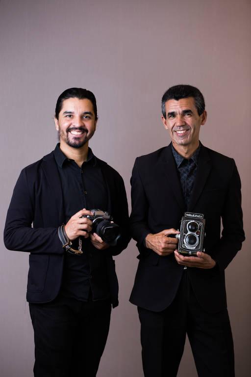 David Fernandes da Silva Santos e o pai Sebastião Teixeira Santos, que são fotógrafos