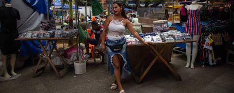 SALVADOR, BA,24.09.2021: Nadja Cristiana Almeida, 42. Informais e vulneráveis vivem