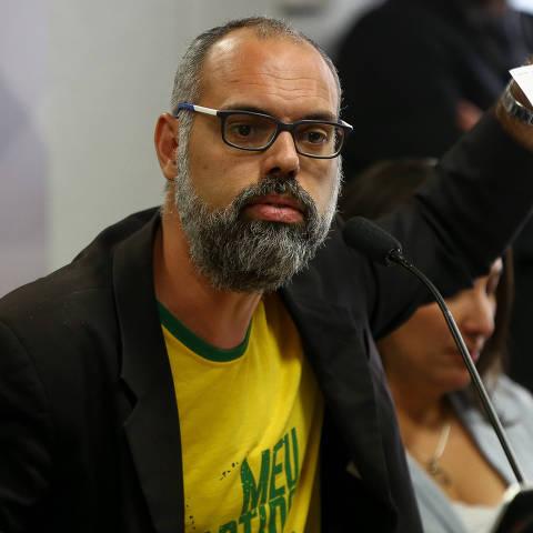 BRASILIA, DF,  BRASIL,  05-11-2019, 18h00: O jornalista Allan Santos, do Site Terça Livre, presta depoimento à CPMI das Fake News, no Senado Federal. (Foto: Pedro Ladeira/Folhapress, PODER)
