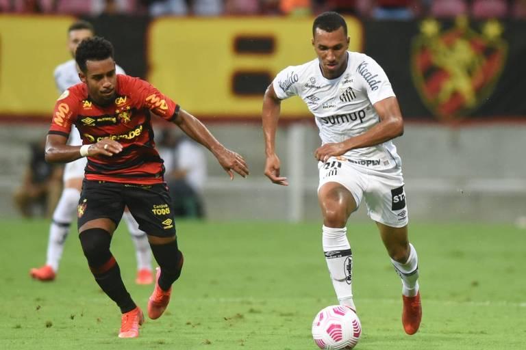 Goleiro estreante evita Santos na zona de rebaixamento do Brasileiro