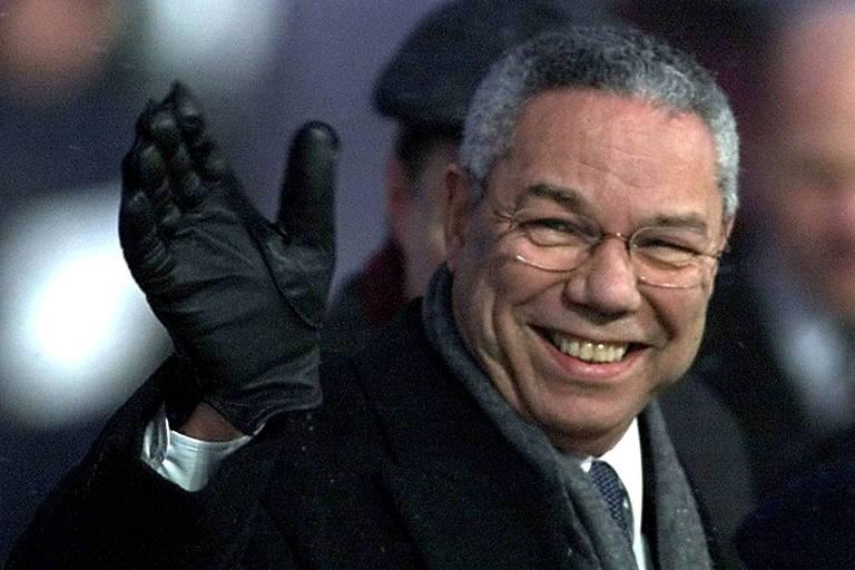 Colin Powell manteve admiração pública apesar de mancha do discurso na ONU