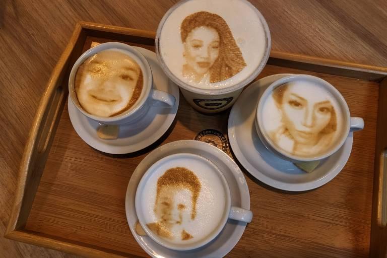 """Bebidas com rosto """"impresso"""" da Coffee Selfie"""