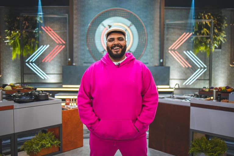 Paulo Vieira é o apresentador do programa Rolling Kitchen Brasil no GNT