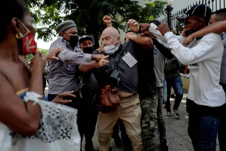 Cuba cometeu tortura e abusos em repressão a protestos, afirma ONG