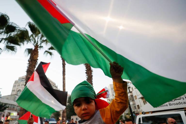 Israel legaliza status de 4.000 palestinos sem documentos após década de impasse
