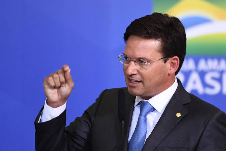 Governo anuncia Auxílio Brasil de R$ 400 com benefício temporário sem explicar fonte de recurso