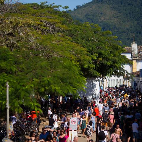 PARATY, RJ, BRASIL, 28.07.18 15h Movimentacao em Paraty no terceiro dia de FLIP. (Foto: Marcus Leoni / Folhapress, ILUSTRADA)