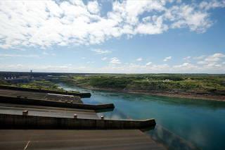 South American dam faces energy crunch as river ebbs