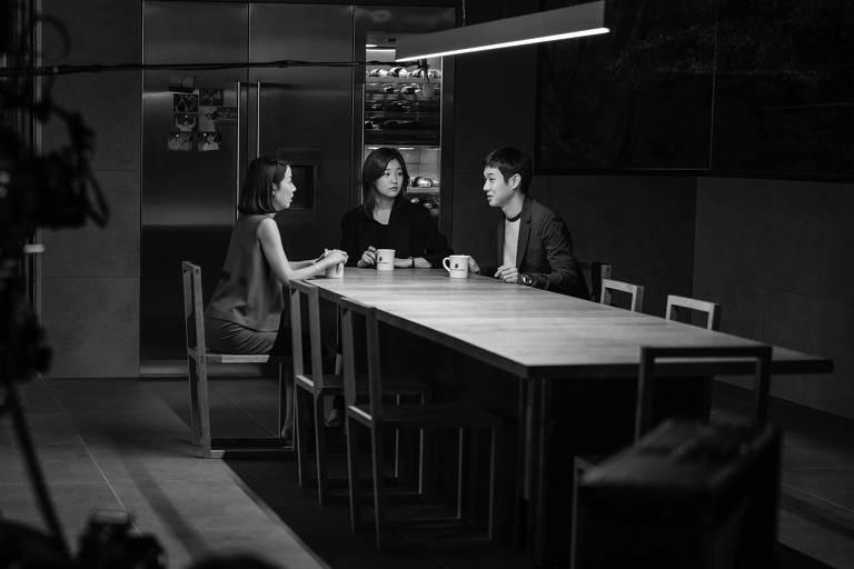 """Cena da edição especial do filme """"Parasita"""", em preto e branco, exibida na Mostra de Cinema de São Paulo"""