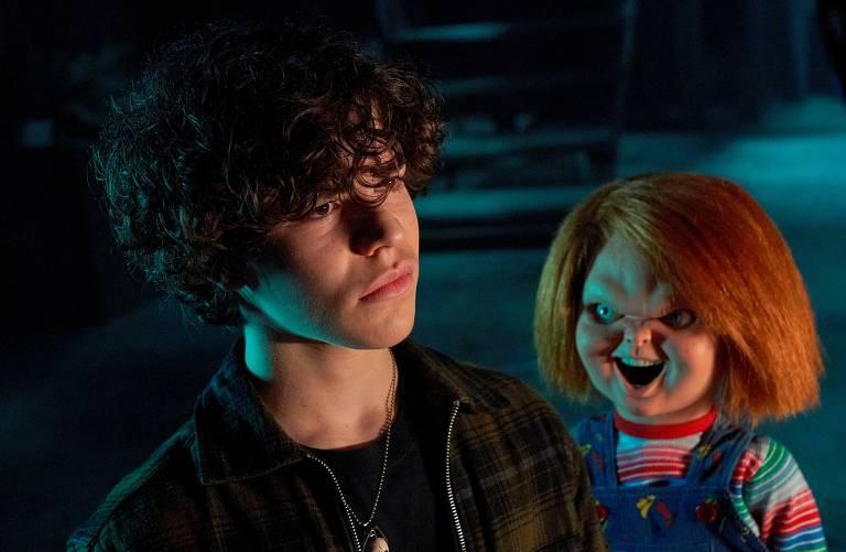 """Zackary Arthur em cena da série """"Chucky"""", criada por Don Mancini"""