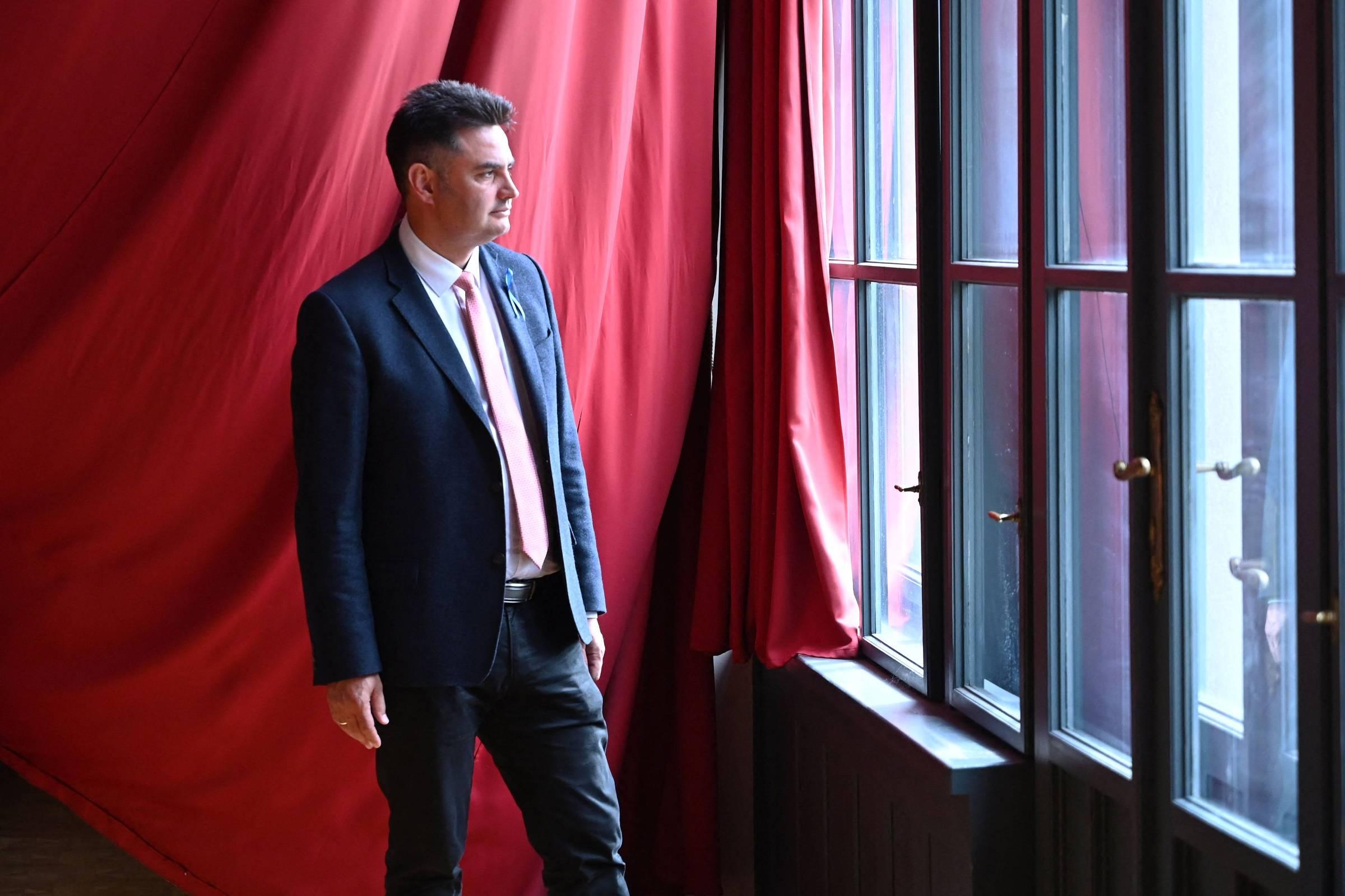 Oposição na Hungria acerta com nome conservador, diz especialista