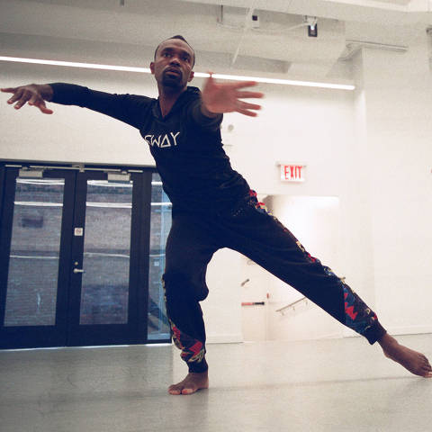 The actor Penn Badgley, right, in a dance lesson with Andre Zachery in New York, Sept. 24, 2021. The former ÒGossip GirlÓ star returns in the third season of the Netflix thriller ÒYou.Ó (Sabrina Santiago/The New York Times) ORG XMIT: XNYT108