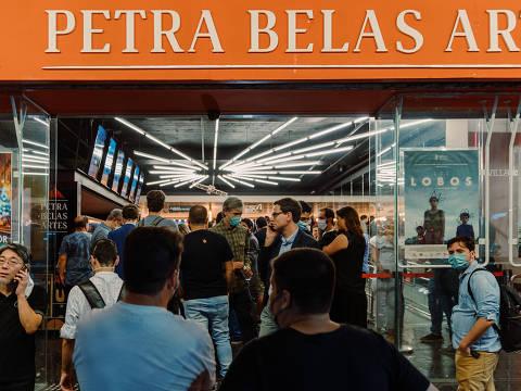 """São Paulo, SP, Brasil, 18-09-2021: Pré-estreia do novo documentário de Josias Teófilo, """"Nem Tudo Se Desfaz"""", no Petra Belas Artes. (foto Gabriel Cabral/Folhapress)"""