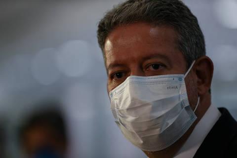 Oposição tenta desidratar PEC dos precatórios, e aliados de Bolsonaro querem mais gastos para 2022
