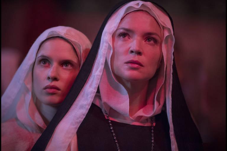 """Virginie Efira em cena do filme """"Benedetta"""", de Paul Verhoeven, exibido no Festival de Cannes"""