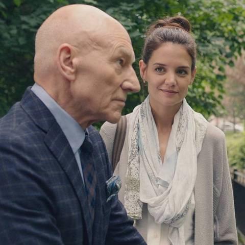 Patrick Stewart e Katie Holmes em cena do filme 'A Última Nota', dirigido por Claude Lalonde