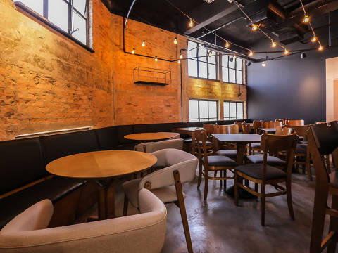 Novidade no Farol Santander, o Boteco do 28 é um bar que oferece comida de boteco com influência da culinária da paulistânia