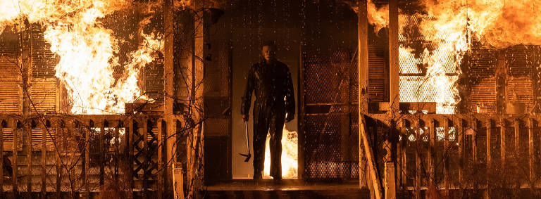 Michael Myers (também conhecido como The Shape) em Halloween Kills, dirigido por David Gordon Green