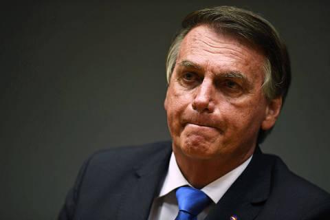 Bolsonaro defende viés social para Petrobras e diz que empresa deve lucrar menos