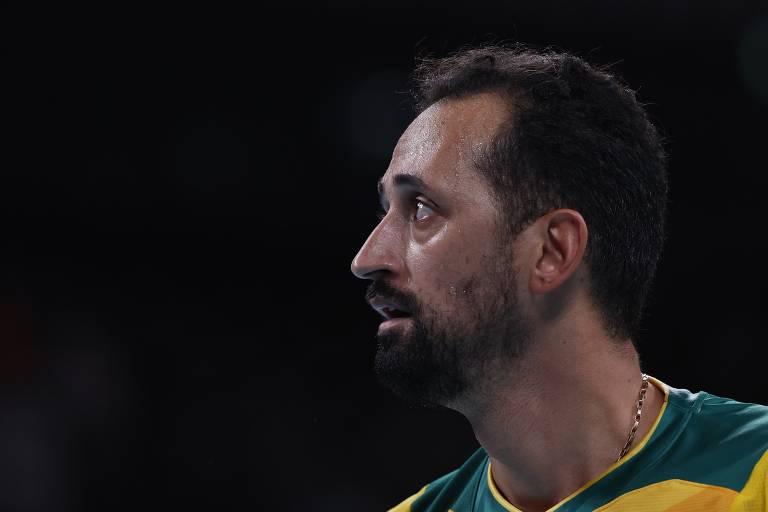 O central Maurício Souza durante partida pela seleção nos Jogos de Tóquio