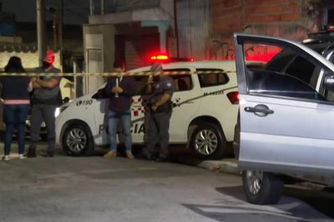 Um homem morreu baleado após cair no golpe de falsos vendedores pela internet na noite de terça-feira (26) na Vila Santa Teresinha, na Zona Norte da cidade de São Paulo. A vítima, que estava com um amigo e iria comprar um reboque para carro, foi surpreendida.(Foto: Reprodução/TV Globo)