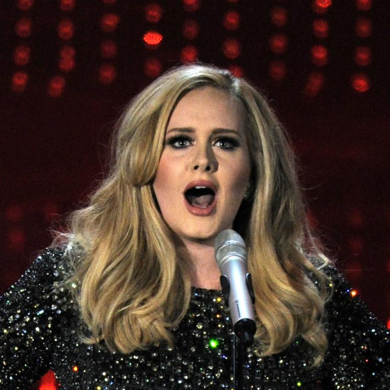 Adele diz que Spice Girls foram sua maior inspiração na infância