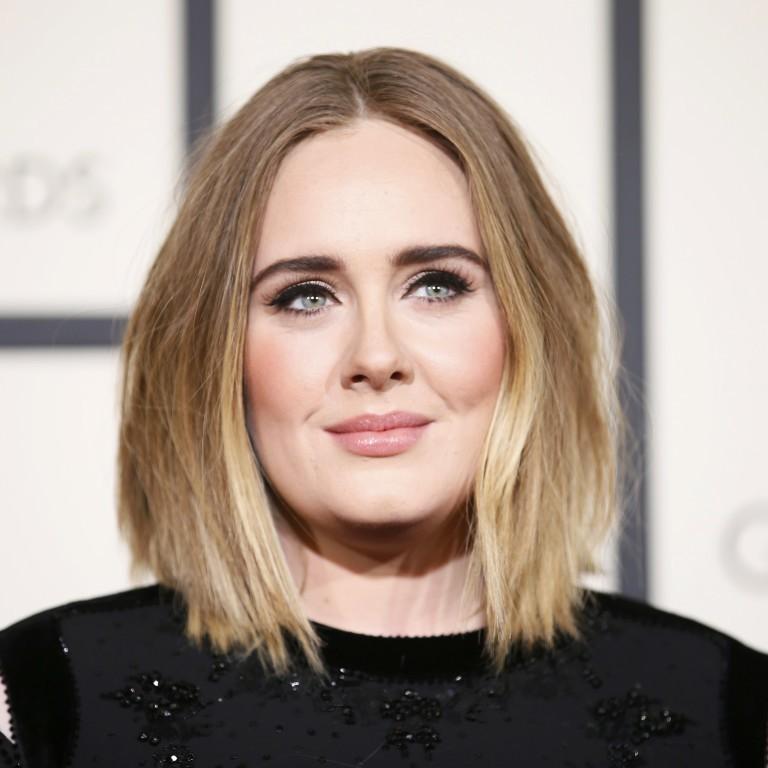 Adeleconfessa que chorou um dia inteiro depois de desafinarno Grammy