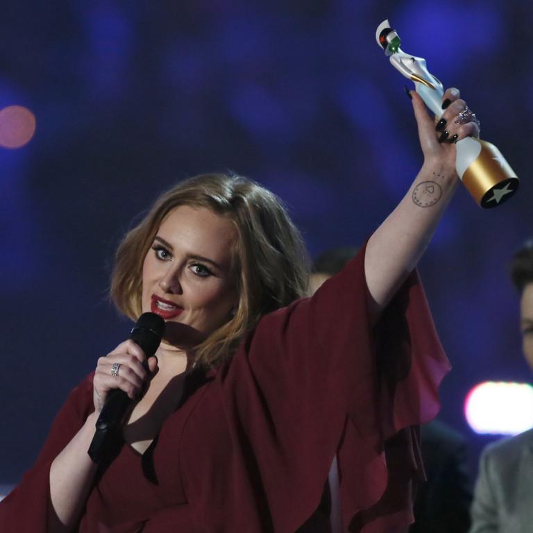 Adele discursa em apoio a Kesha após vitória no Brit Awards; assista