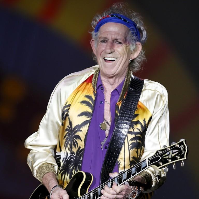 Em show dos Rolling Stones, Keith Richards usa mesma jaqueta que Justin Bieber