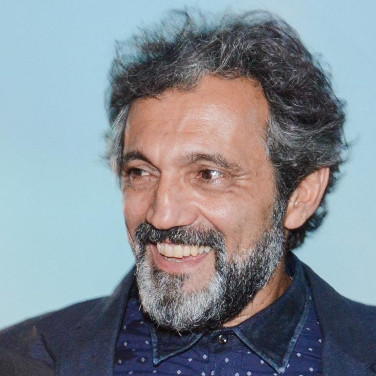 'Eu me sinto mais à vontade no teatro e no circo', diz Domingos Montagner
