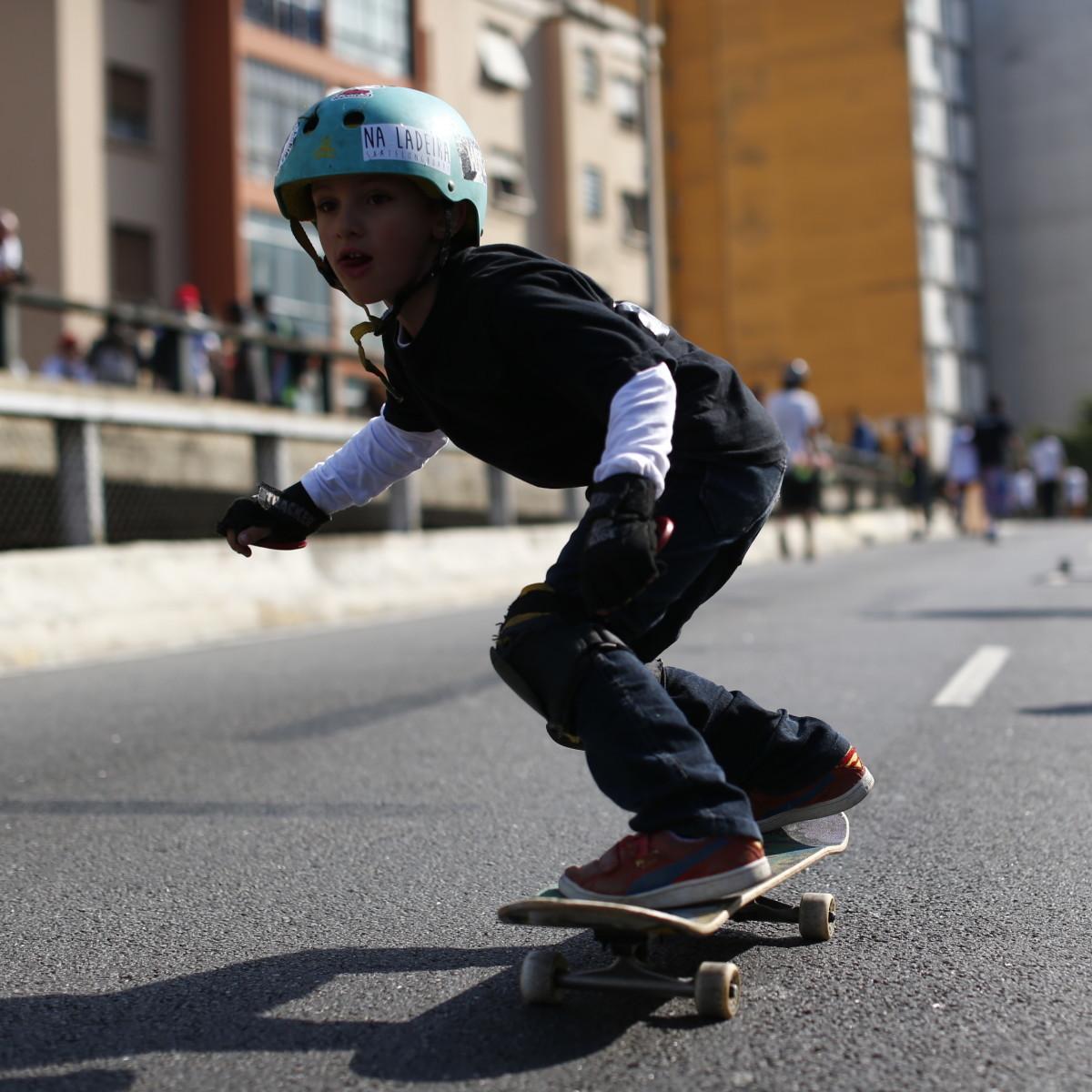 Campeões e especialistas em skate indicam 7 bons lugares para andar em SP -  30 06 2016 - Passeios - Guia Folha 1f2f29827e2