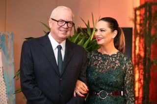 Luiza Brunet e Lírio Parisotto no jantar beneficente Essência Bela