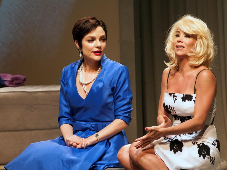 Danielle Winits e Maria Eduarda de Carvalho em cena de 'Depois do Amor'