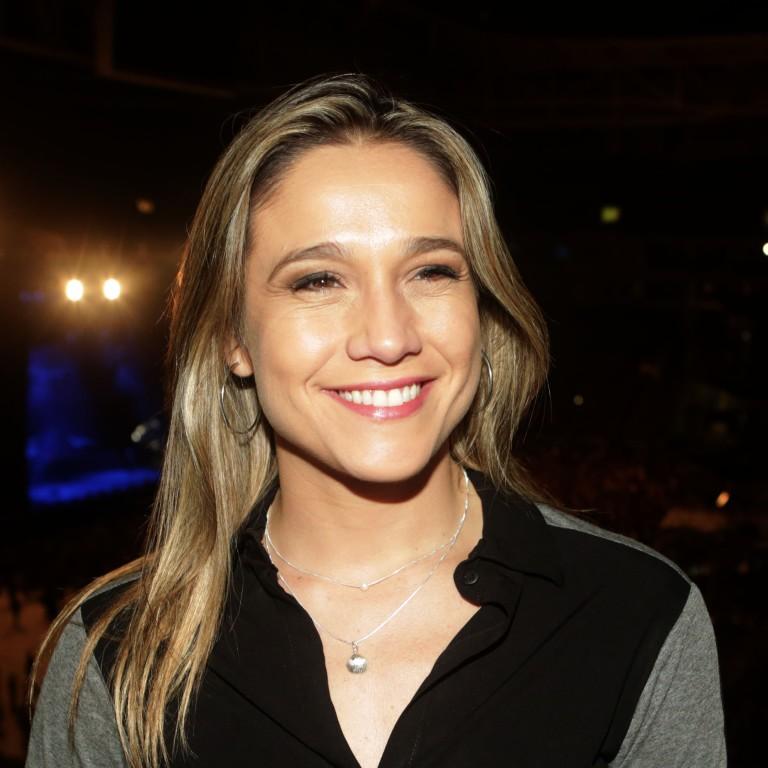 Fernanda Gentil está namorando uma jornalista há três meses