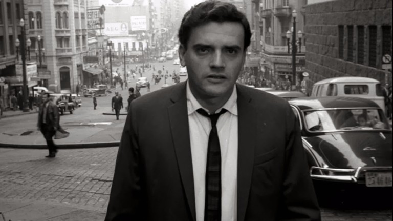 """Cena do filme """"São Paulo, Sociedade Anônima"""" no  vale do Anhangabaú, em São Paulo"""