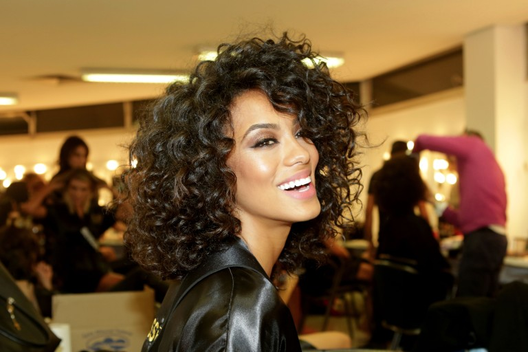 Marcelo Caleroé eleito Gato do Ano no Prêmio F5; Miss Brasil é aGata