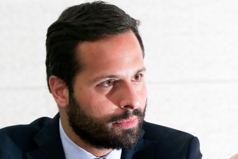 Ex-ministroMarceloCalerocomemora eleição de Gato do Ano no Prêmio F5