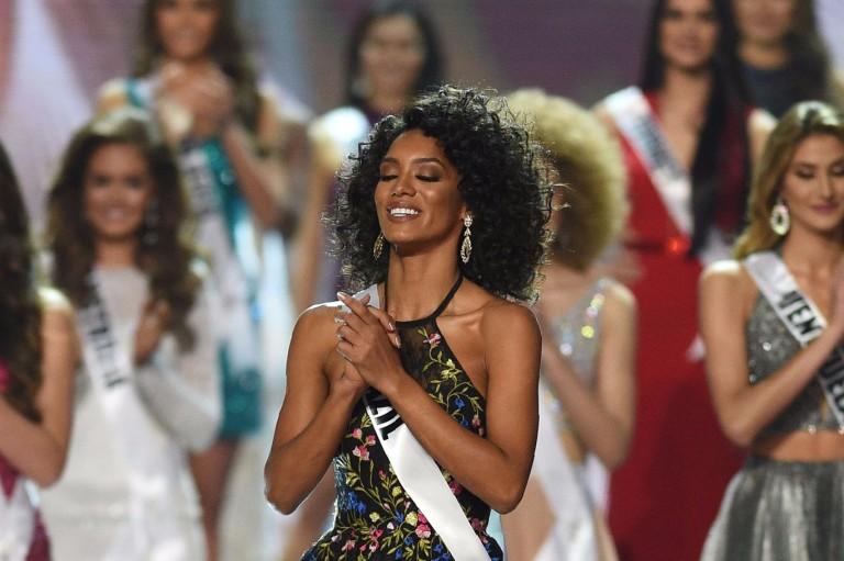 'Meu coração chorou quando não ouvi o nome do Brasil', diz Raissa Santana sobre Miss Universo
