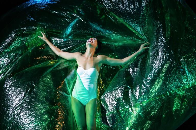 Mostra teatral estreia com 'O Duelo', que tem Camila Pitanga no elenco