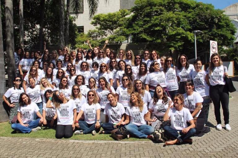 'Você, mulher, será abraçada por todas nós', diz Camila Pitanga em protesto contra assédio